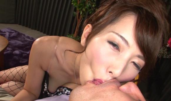 覆いかぶさりねっとり接吻痴女っ娘交尾イメージ画像6