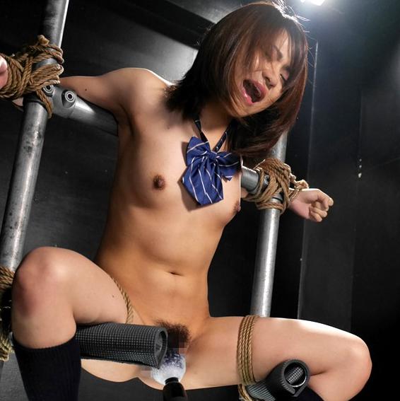 荒縄で身体拘束し開脚させて電マ責めに悶える女子校生SM女学イメージ画像6