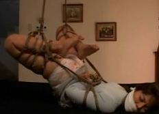 ストッキング変態マゾを逆海老縛りタイトロープ緊縛SMコミュニティ画像